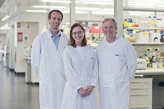 Dr Victor Peperzak, Dr Ingela Vikstrom and Associate Professor David Tarlinton in a laboratory