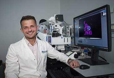 Dr Michal Pasternak in the imaging facility