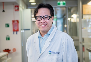 Dr Ashley Ng in a lab