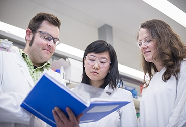 Dr James Murphy, Dr Kelan Chen and Associate Professor Marnie Blewitt in the laboratory