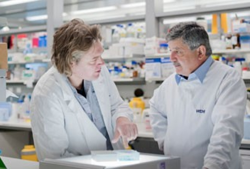 Dr Jeff Babon and Professor Nick Nicola in the lab