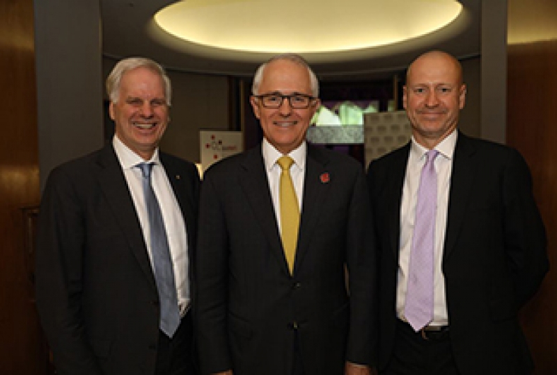(L-R) Incoming AAMRI president Professor Tony Cunningham, Prime Minister Mr Malcolm Turnbull, Outgoing AAMRI president Professor Doug Hilton.