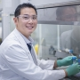 Dr Gwo Yaw Ho in the lab
